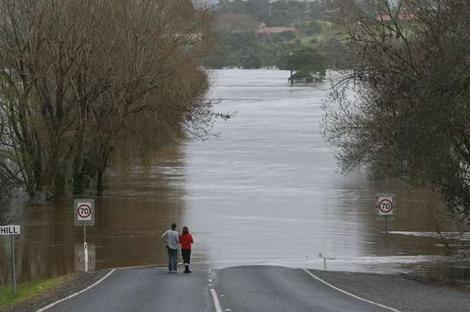 Mitchell River Bairnsdale 2007 (The Age)
